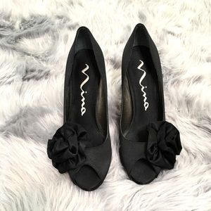 (I ACCEPT OFFERS) Nina black peep toe heels